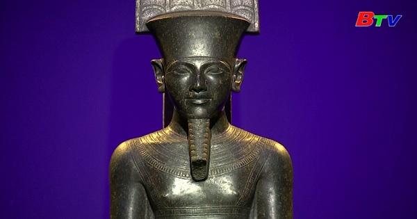 Lần đầu tiên cổ vật từ mộ Pharaoh Tutankhamun  xuất hiện trong triển lãm tại Paris