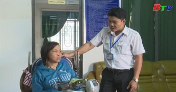 Trợ giúp người khuyết tật