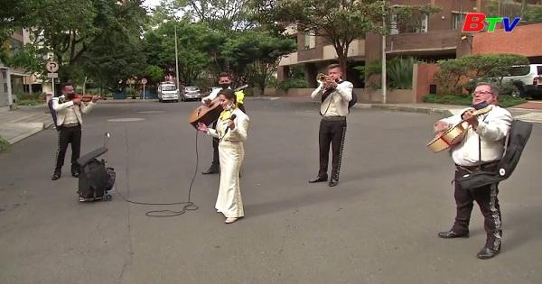 Colombia - Nhạc công Mariachi kiếm sống trên đường phố
