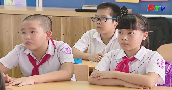 Đẩy mạnh thực hiện đổi mới chương trình sách giáo khoa giáo dục phổ thông