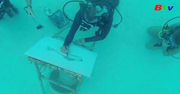 Nghệ sĩ CuBa và đam mê vẽ dưới nướcNghệ sĩ CuBa và đam mê vẽ dưới nước