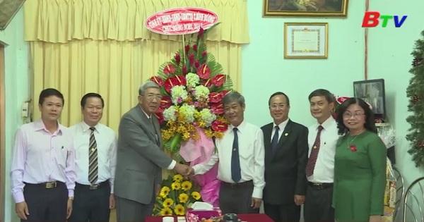 Lãnh đạo tỉnh thăm và chúc mừng giáng sinh đồng bào công giáo