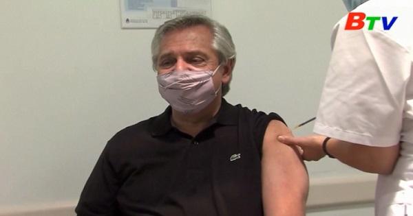 Tổng thống Argentina được tiêm liều vaccine Sputnik V đầu tiên