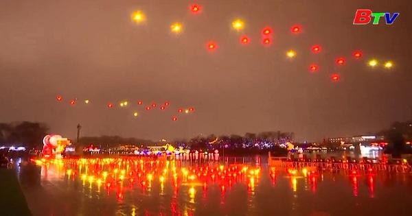 Trung Quốc trình diễn máy bay không người láy đón năm mới Mậu Tuất 2018