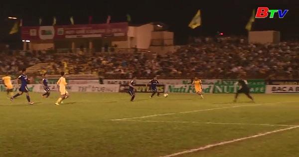 Vòng 6 NutiCafe V.League 2018:B.Bình Dương chia điểm trên sân Vinh