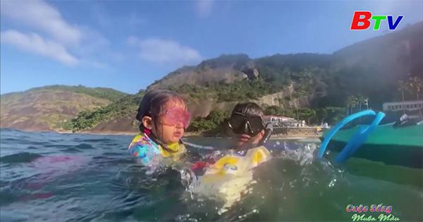 Brazil - Cô bé 4 tuổi giúp lan tỏa tình yêu đối với các loài sinh vật biển