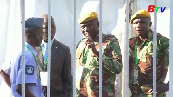 Zimbabwe - Tranh luận tại Tòa án Hiến pháp về kết quả bầu cử