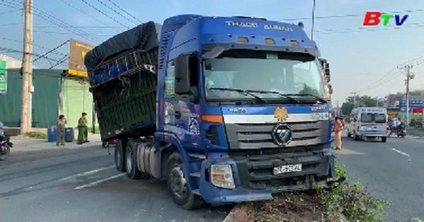 Tai nạn xe đầu kéo container