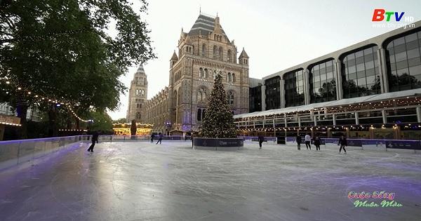 Mùa trượt băng cuối cùng trước bảo tàng lịch sử tự nhiên Luân Đôn