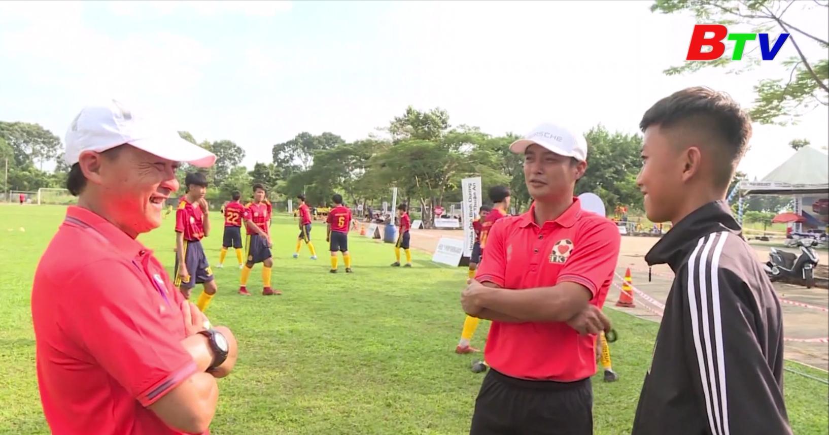 Huấn luyện viên Nguyễn Văn Hiếu – Người ươm mầm giấc mơ sân cỏ