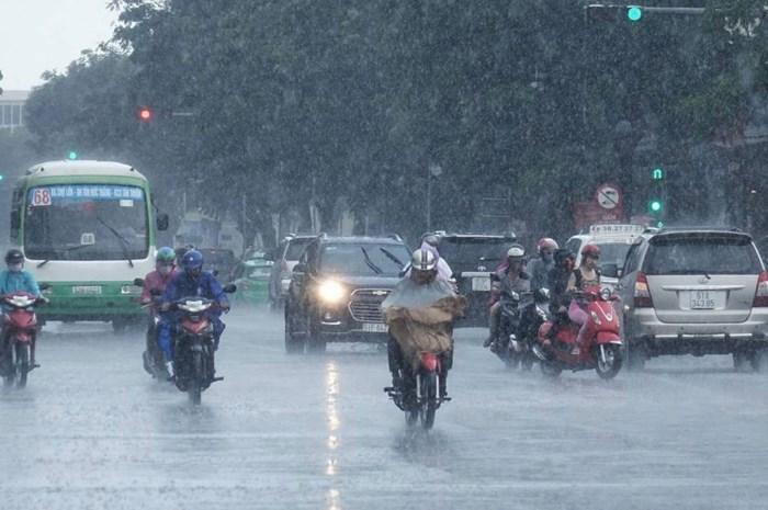 Tây Nguyên và Nam Bộ mưa to về chiều