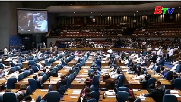 Philippines thông qua việc gia hạn thiết quân luật tại Mindanao