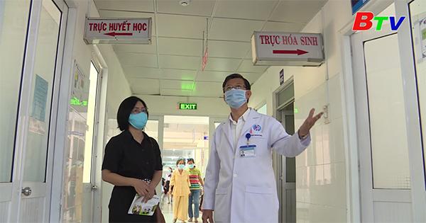 Thầy thuốc nhân dân tận tâm với nghề
