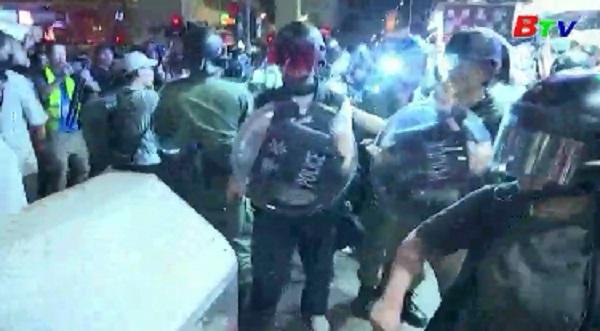 Hồng Kông lên án người biểu tình quá khích
