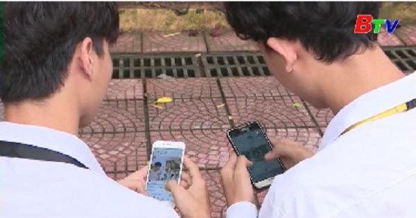 Nhiều lo ngại khi học sinh được sử dụng điện thoại