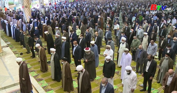 Iran cho phép người dân tham dự lễ cầu nguyện thứ Sáu