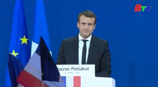 Tổng thống Pháp kêu gọi cử tri bỏ phiếu cho ứng cử viên Macron