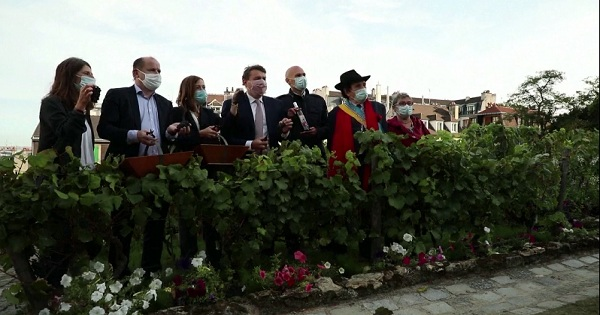Lễ hội thu hoạch rượu vang lần thứ 87 ở Paris