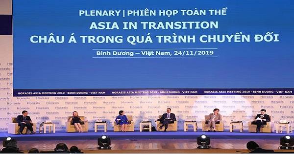 Phiên họp toàn thể: Thảo luận các vấn đề về châu Á trong quá trình chuyển đổi