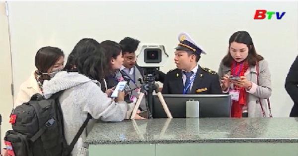 Khách Trung Quốc nhập cảnh phải khai y tế