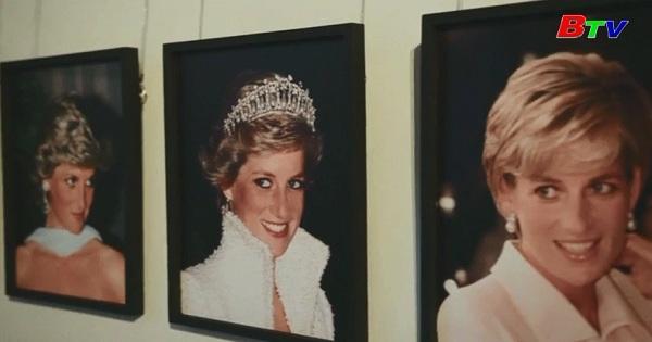 Triển lãm trang phục của công nương Diana