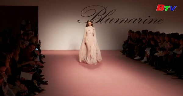 Bộ sưu tập lãng mạn của Blumarine tại tuần lễ thời trang Milan 2019