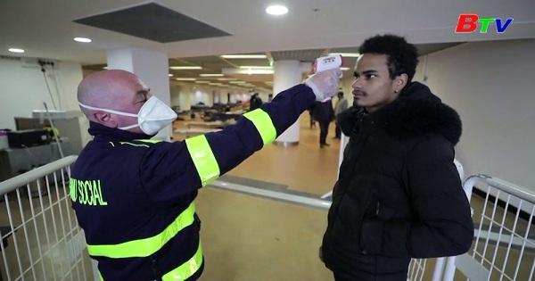 Pháp - Tòa thị chính Cannes đón người vô gia cư