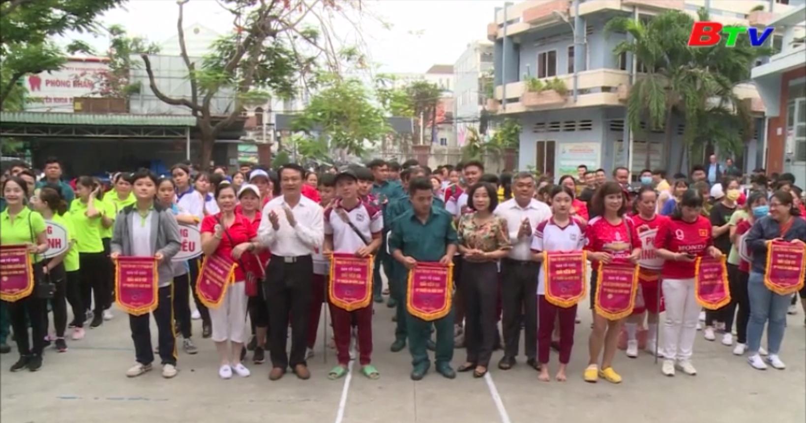 Phong trào tập luyện bóng chuyền hơi phát triển rộng tại TP. Thuận An