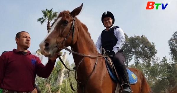 Lớp học cưỡi ngựa cho trẻ tự kỷ ở Ai Cập