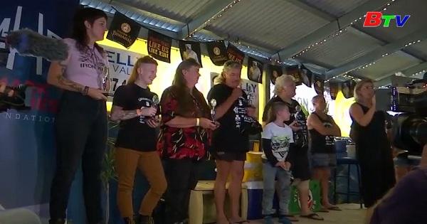 Tưng bừng lễ hội tóc cá đối ở Australia