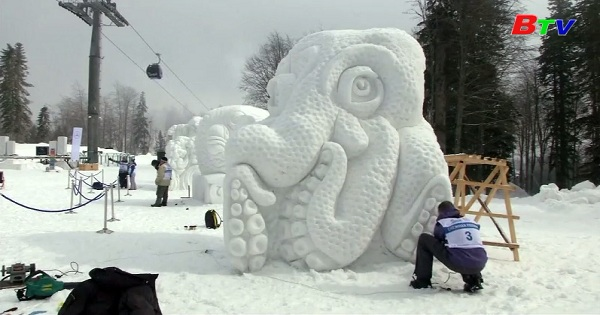 Trưng bày tác phẩm điêu khắc ở khu nghỉ dưỡng