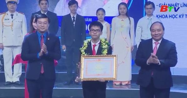 Tôn vinh 10 gương mặt trẻ Việt Nam tiêu biểu 2017