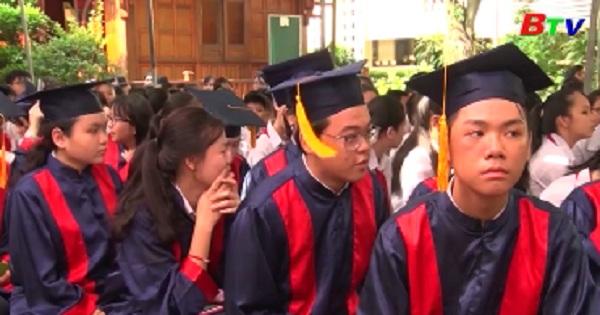 Trường Trung học cơ sở Chu Văn An đón nhận bằng khen của Chính phủ