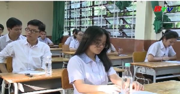 Ngày thi thứ hai kỳ thi THPT Quốc gia thí sinh thi tổ hợp môn khoa học tự nhiên