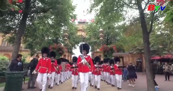 Đan Mạch kỉ niệm 175 năm ngày  thành lập đội cận vệ nhỏ tuổi  Tivoli