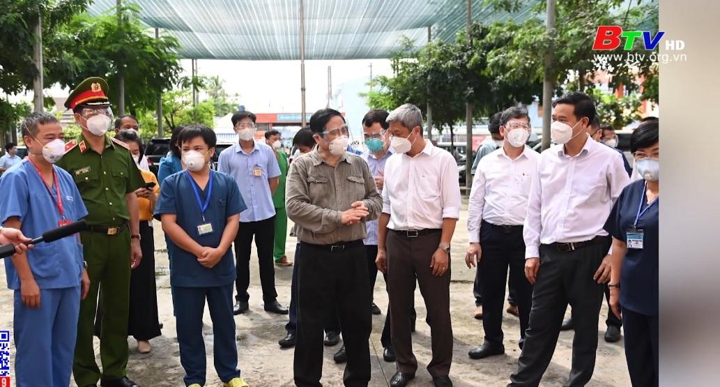 Thủ tướng Phạm Minh Chính kiểm tra công tác phòng, chống dịch ở Bình Dương