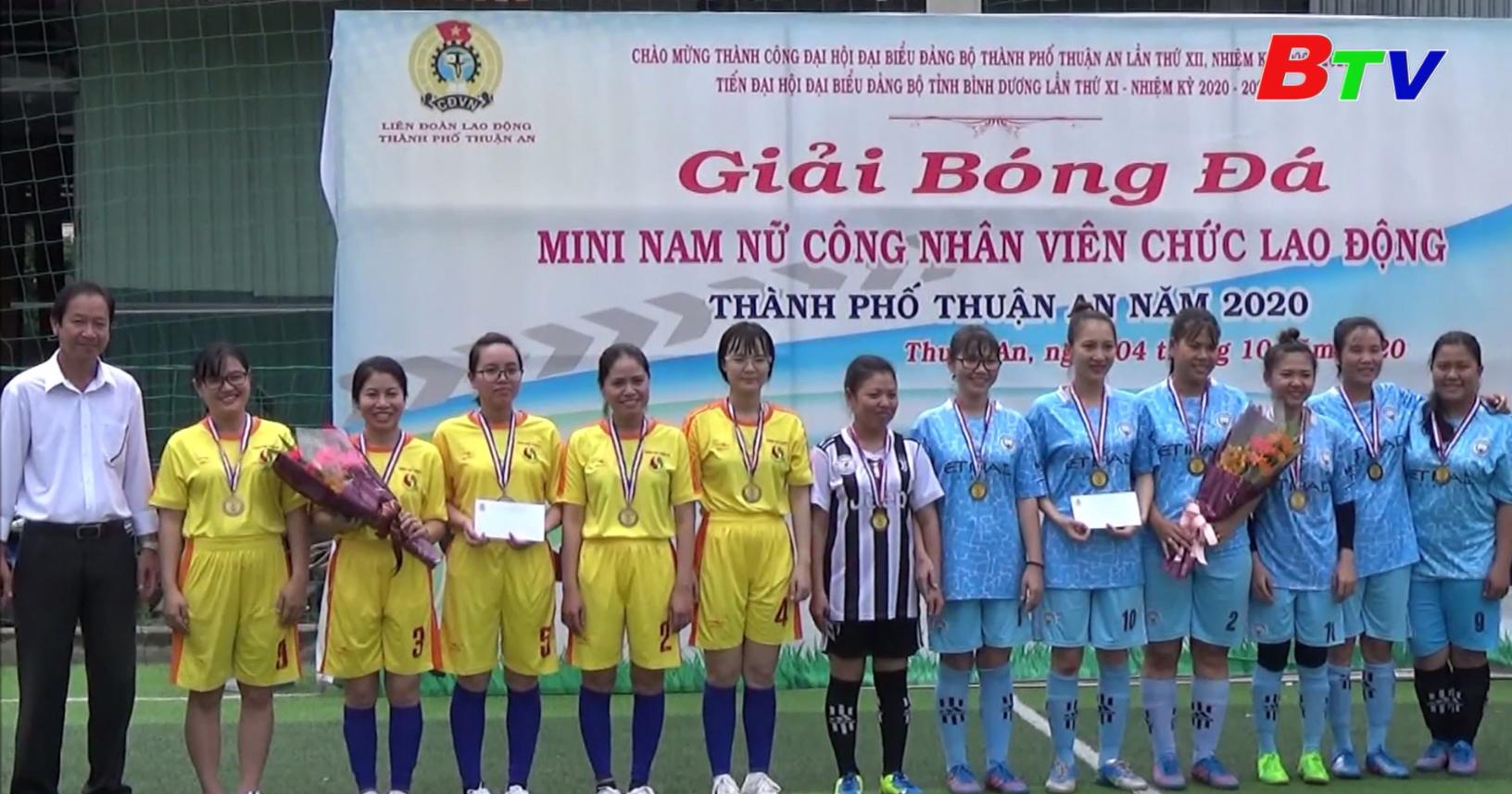 Bế mạc Giải bóng đá mini nam, nữ công nhân viên chức lao động năm 2020