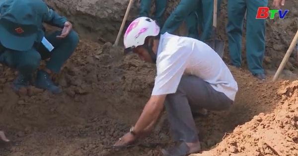 Thị xã Tân Uyên đưa mộ liệt sĩ về nơi an táng tại Nghĩa trang liệt sĩ thị xã