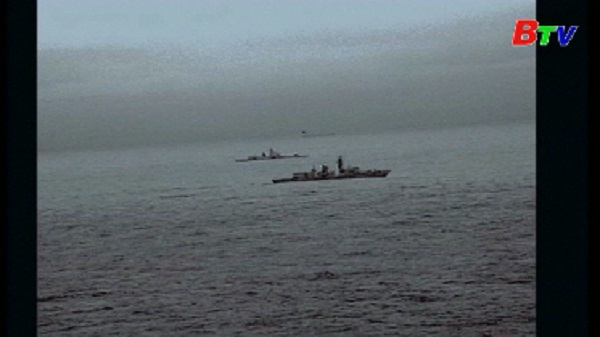 Tàu chiến Anh 'hộ tống' tàu Nga trong kỳ nghỉ lễ