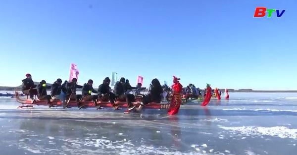 Đua thuyền rồng trên băng