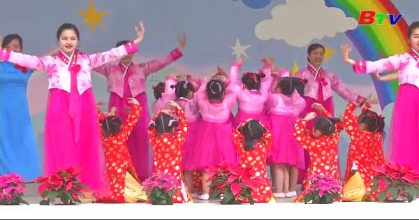 Trường mẫu giáo hữu nghị Việt Nam - Triều Tiên chào mừng Hội nghị Thượng đỉnh Hoa Kỳ - Triều Tiên