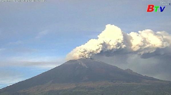 Núi lửa ở Mexico hoạt động mạnh trở lại