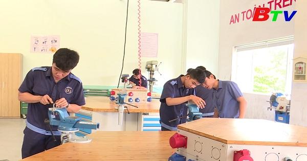 Đổi mới công tác đào tạo ở Trường Cao đẳng nghề Việt Nam - Singapore