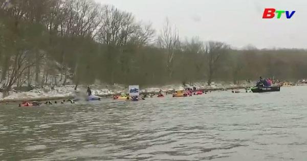 Hào hứng cuộc đua qua sông Danube