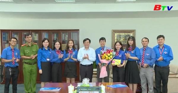 Tỉnh ủy gặp gỡ đoàn đại biểu tham dự đại hội thanh niên tiên tiến làm theo lời Bác