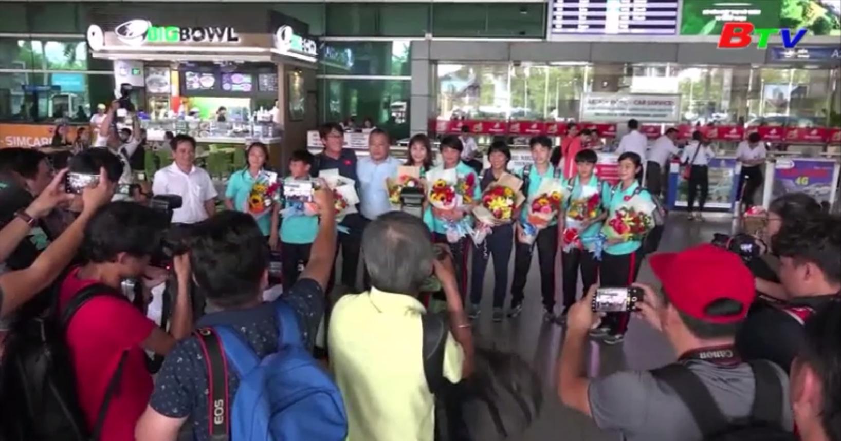 Niềm vui ngày trở về của bóng đá nữ Việt Nam
