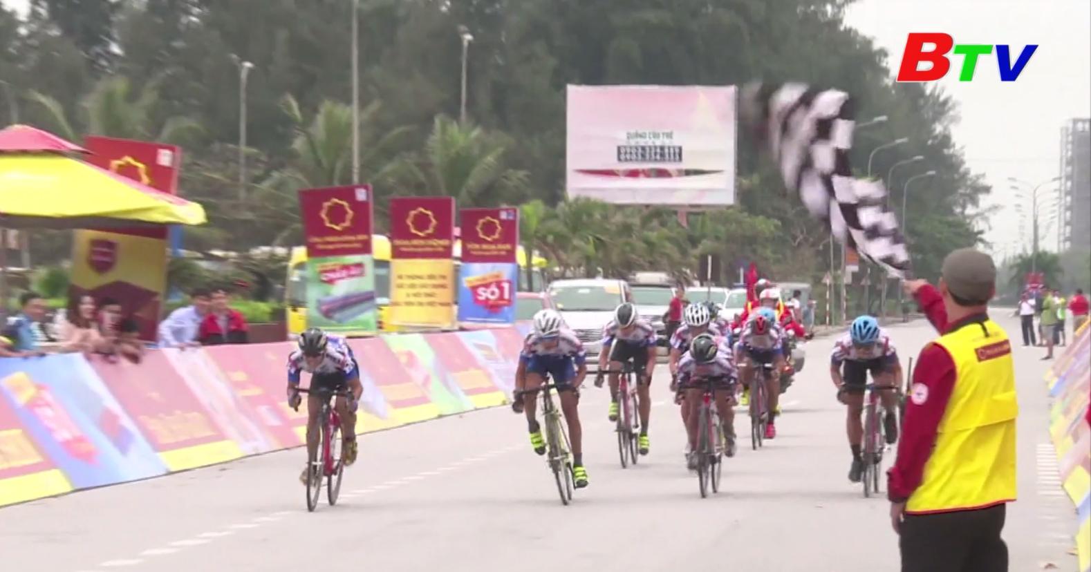 Chặng 5 Giải xe đạp VTV Cúp Tôn Hoa Sen 2020 – Áo vàng không thay đổi