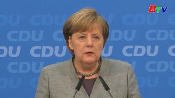 Tỷ lệ ủng hộ Thủ tướng Đức Angela Merkel bất ngờ sụt giảm