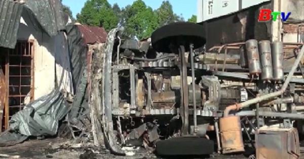 Khởi tố vụ án cháy xe bồn chở xăng làm 6 người thiệt mạng