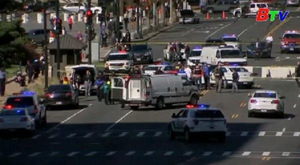 Mỹ bắt kẻ cố tình đâm vào xe cảnh sát gần tòa nhà Quốc hội